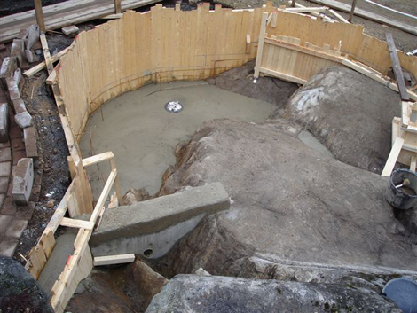 gjuta damm i betong